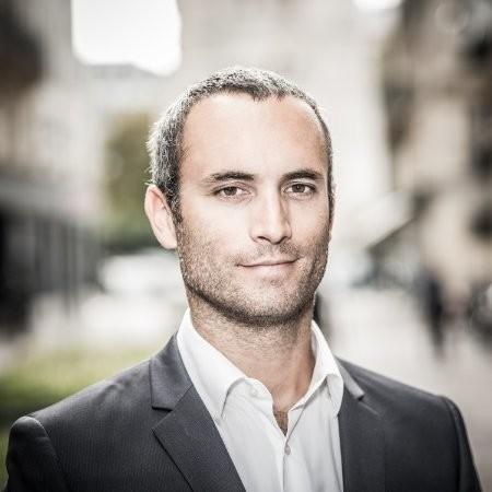 Fabrice Amédéo partage son parcours au cours d'un podcast Into The Wind