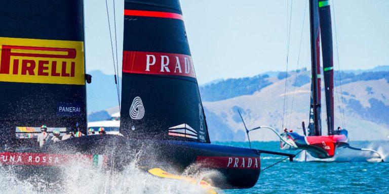 Luna Rossa et Emirates Team New Zealand vendredi à Auckland